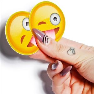 🆕 Dolls Kill crazy face emoji pasties 😜